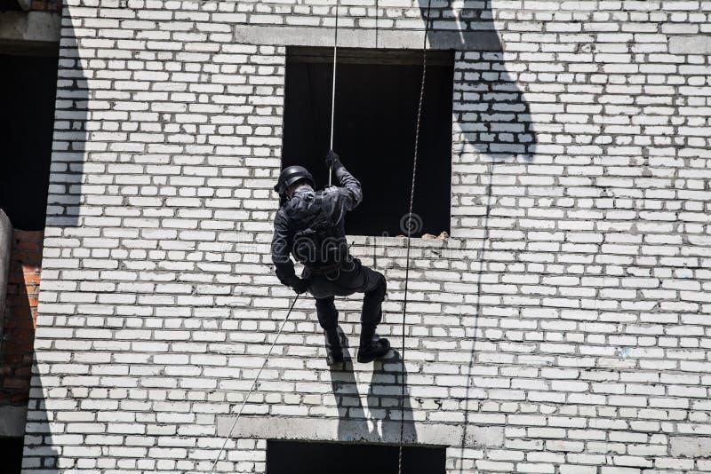 De verrichting van de politieaanval stock foto's