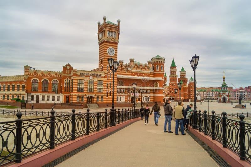 De Verrijzenisbrug in Yoshkar-Ola van het kapitaal van Mari El in Rusland is de mooiste plaats voor reis en loopt stock afbeelding