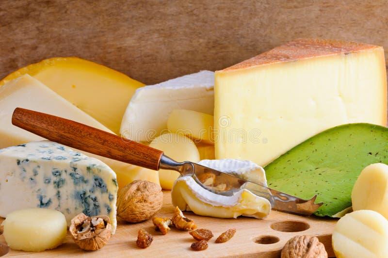 De verscheidenheid van de kaas royalty-vrije stock afbeeldingen