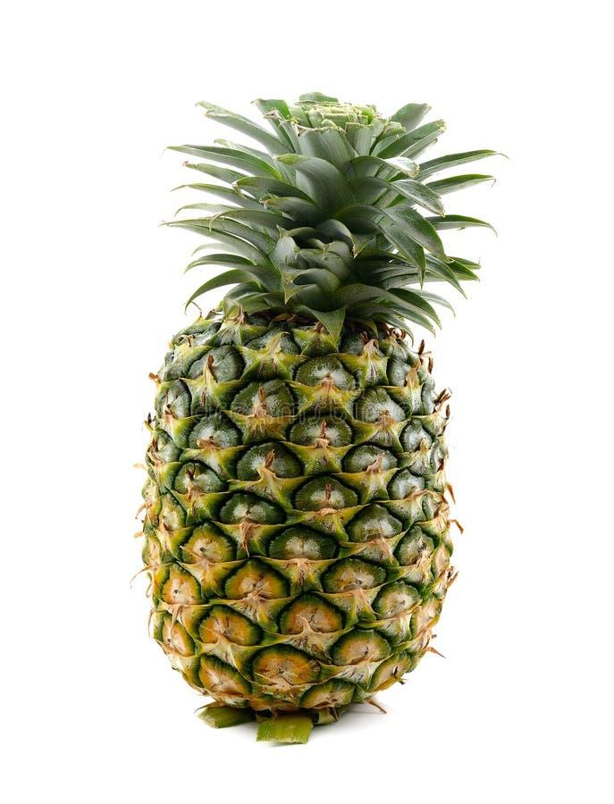 De verse gehele ananas isoleert op witte achtergrond stock afbeeldingen