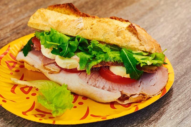 De verse geroosterde sandwich van het paninibacon blt royalty-vrije stock foto's