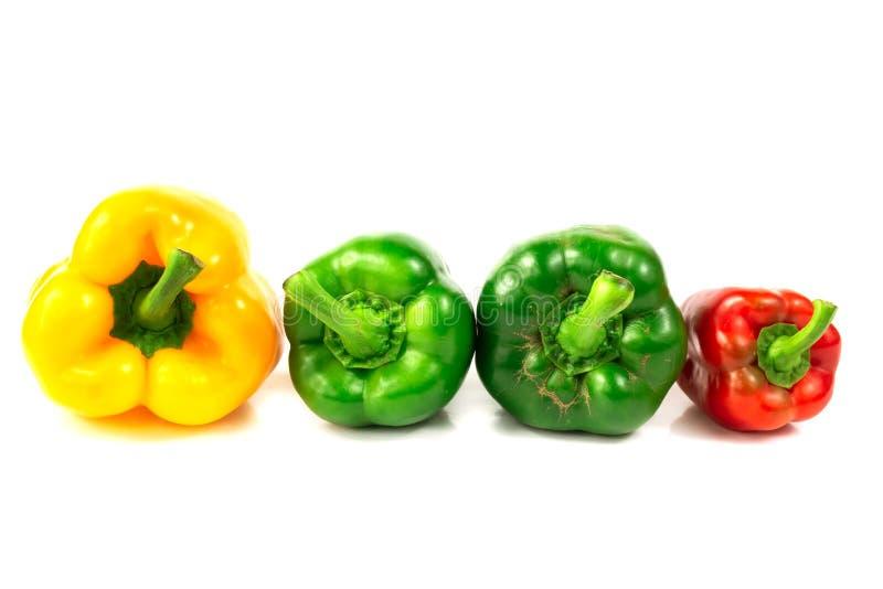 De verse Kleurrijke besnoeiing van de Groene paprikahelft stock afbeeldingen