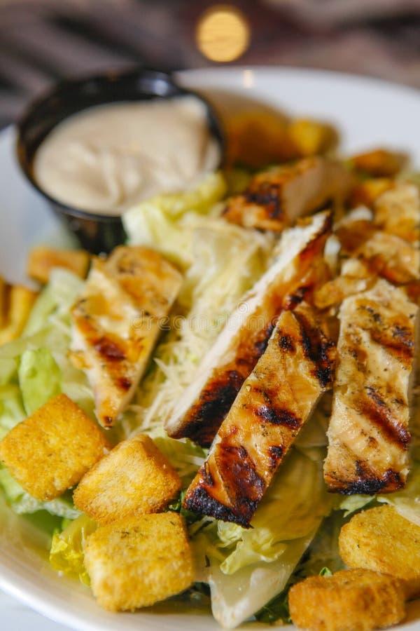 De verse salade van Caesar van de Kip stock foto