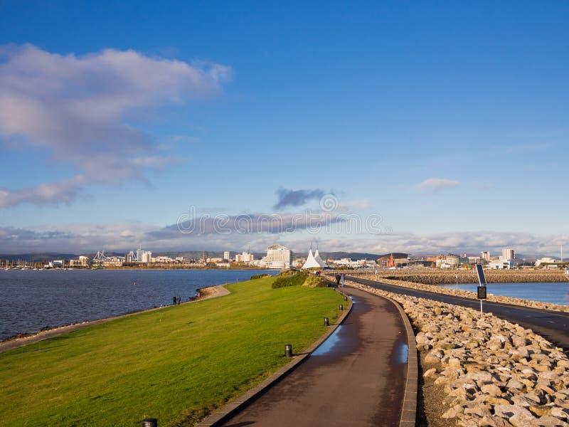 De Versperring van de Baai van Cardiff in Wales, het UK royalty-vrije stock fotografie