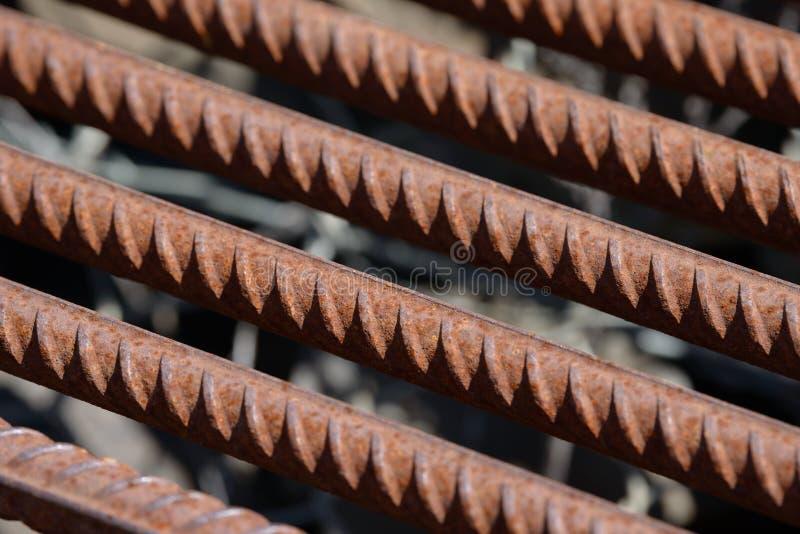 De versterkende achtergrond van de Staalbar, Rebar voor concrete bouwwerkzaamheid Metaalanker Het versterken van staalbars voor d stock afbeelding