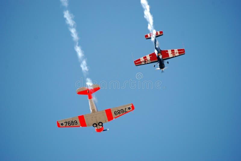De Vertoning van Aerobatic van de Vliegtuigen van de propeller royalty-vrije stock afbeeldingen