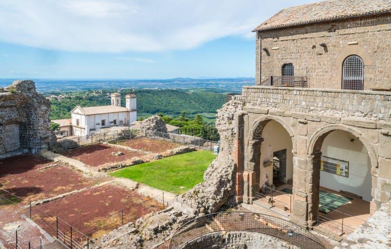 De vesting van Papi van Roccadei in Montefiascone, provincie van Viterbo, Lazio, centraal Italië stock afbeelding