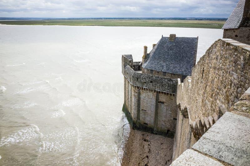 De vestingwerken en de baai van Mont Saint Michel royalty-vrije stock afbeeldingen