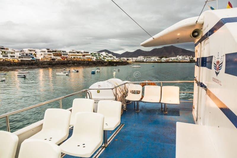 De Videocosta-veerboten werken tussen Corallejo en Playa Blanc stock foto