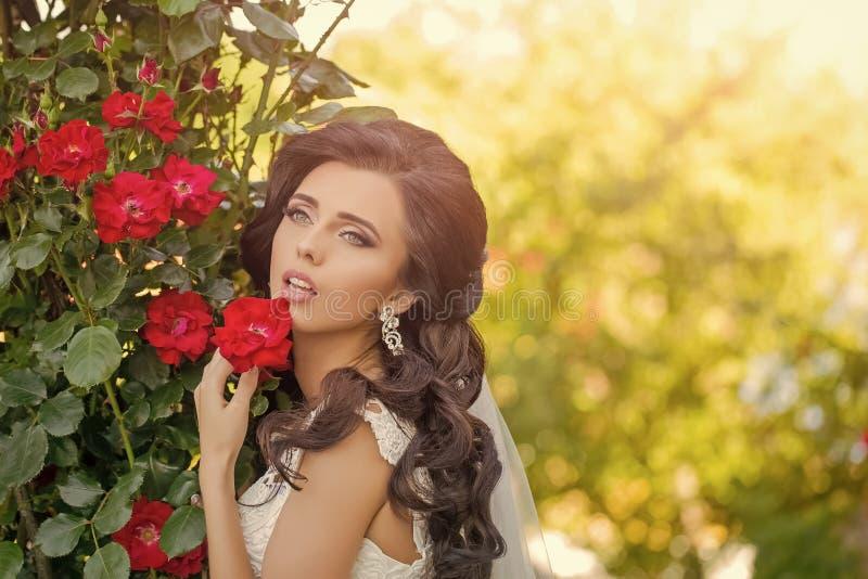 De viering van het huwelijk Schoonheid en manier stock foto's