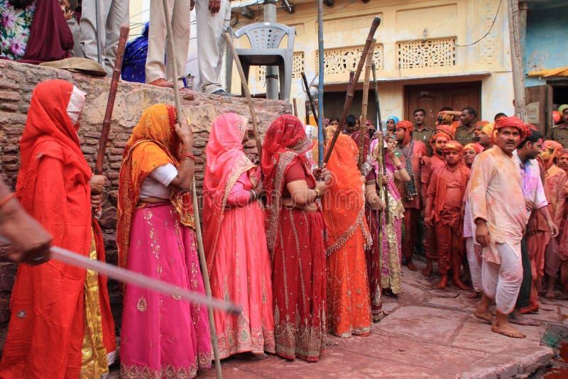 De Viering van Lathmarholi in Nandgaon royalty-vrije stock fotografie