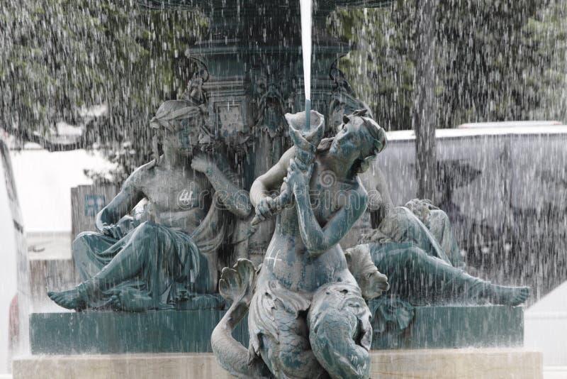 De Vierkante Fontein van Rossio, Lissabon, Portugal stock afbeelding