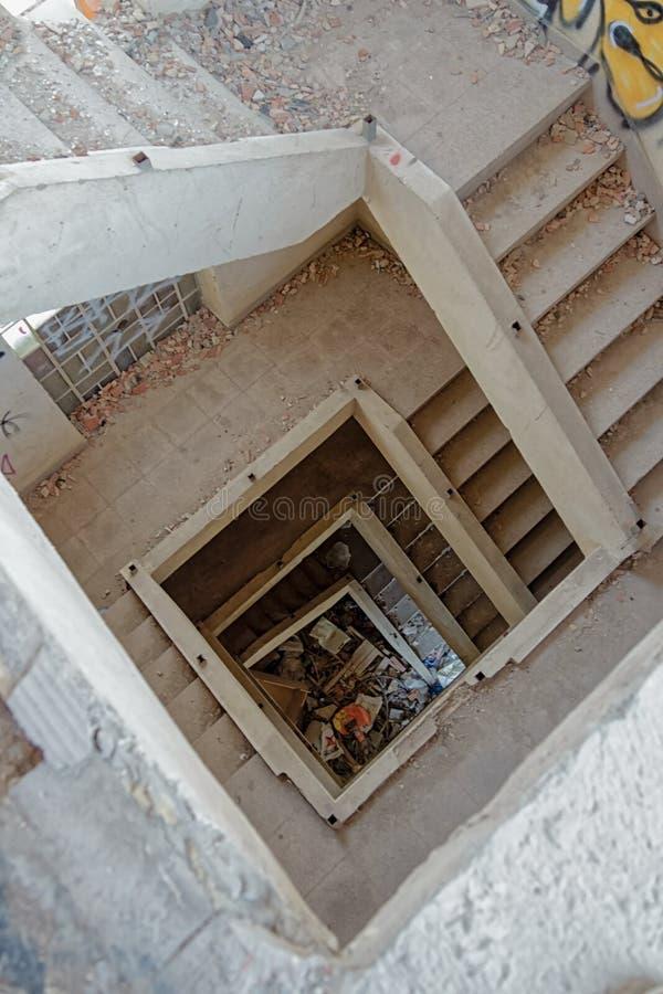 De vierkante spiraal van perspectiefstappen stock foto