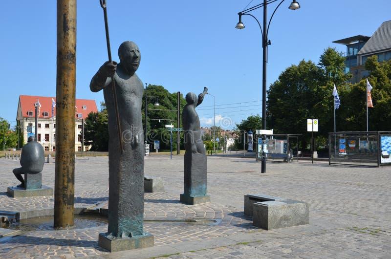 De vierkanten en de standbeelden van Nederland Amsterdam, zijn niet gescheiden door mensen stock afbeeldingen