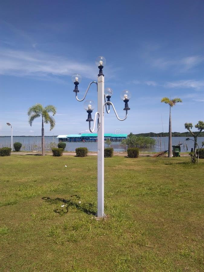 De vijf parklamp op de rug is het overzees royalty-vrije stock foto