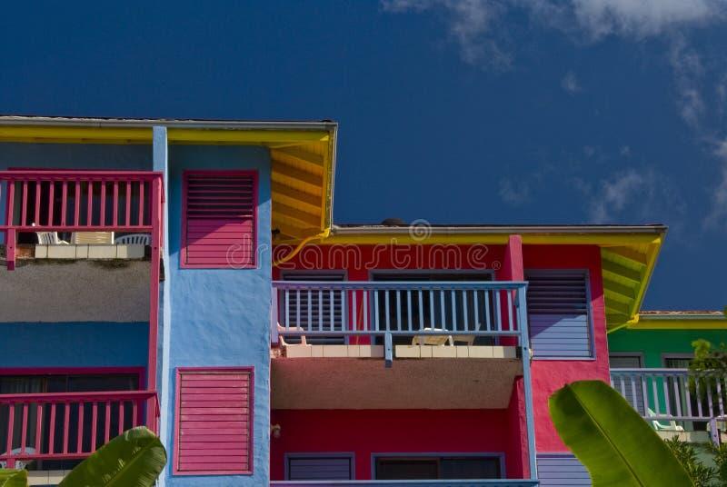 De villa's van het flatgebouw met koopflats bij Baai Leverick royalty-vrije stock foto's