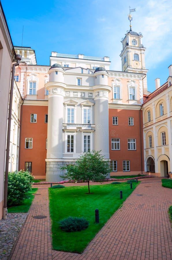 De Vilniusuniversiteit is de oudste universiteit in de Baltische staten en één van oudst in Oost-Europa stock fotografie
