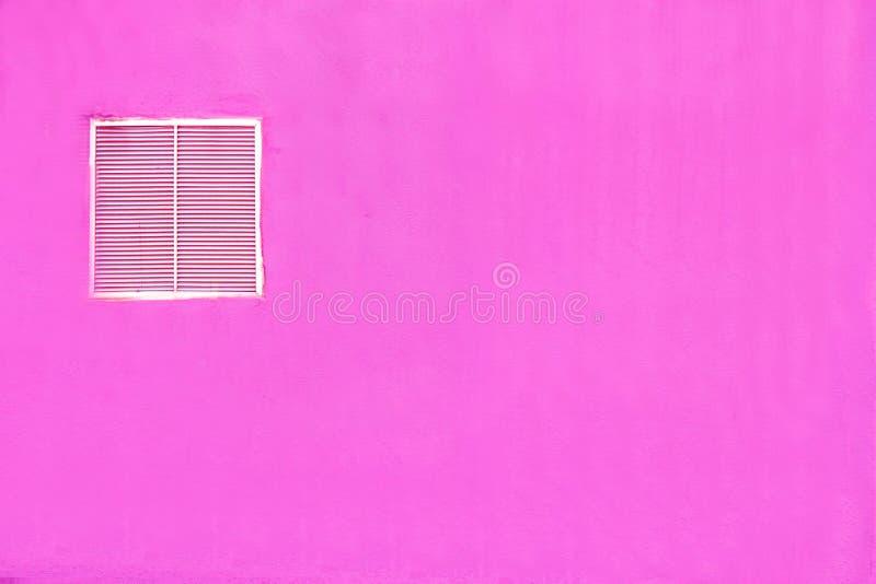 Download De Violette Muurachtergrond Stock Afbeelding - Afbeelding bestaande uit venster, vierkant: 39118197