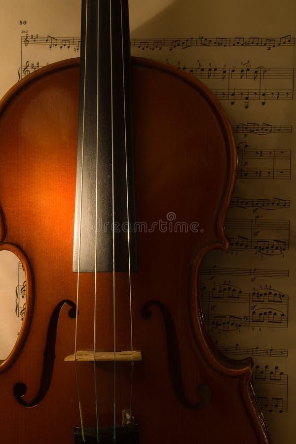 De viool met score 2 stock afbeeldingen