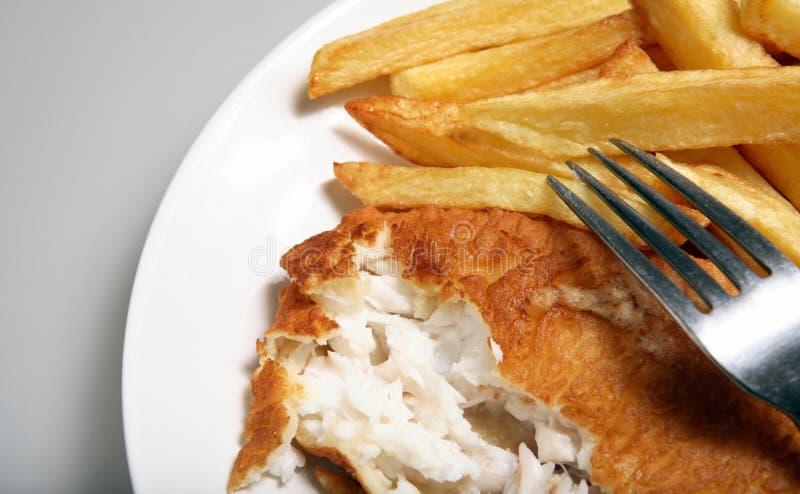 de vis breekt Engelse maaltijdplaat af stock fotografie