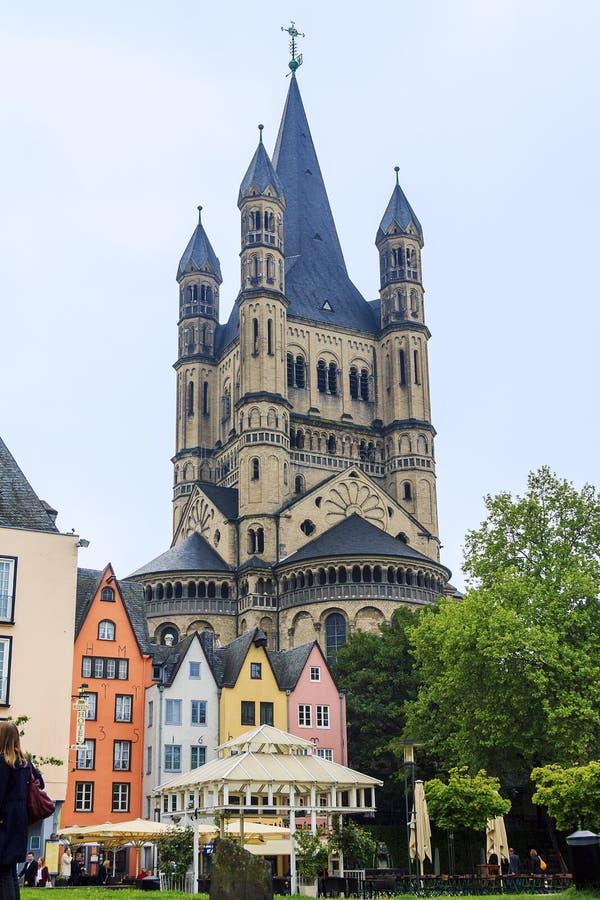 De Vissenmarkt en de kerk van St Martin royalty-vrije stock afbeeldingen
