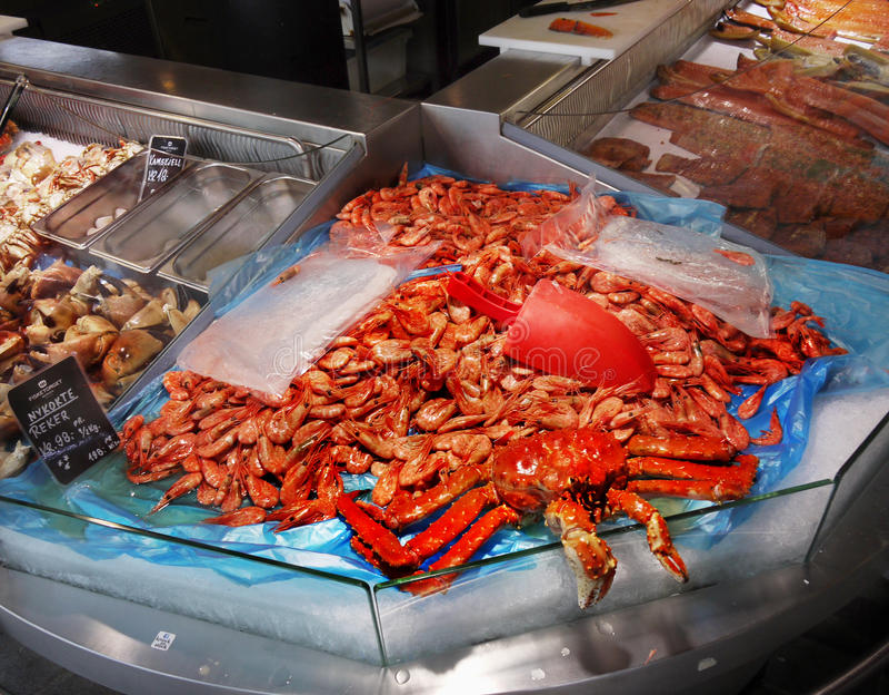 De vissenmarkt van Bergen, Noorwegen stock foto