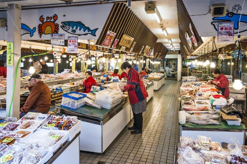 De Vissenmarkt van Hakodate, Japan stock afbeeldingen