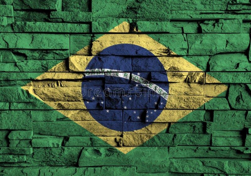 De vlag van Brazilië het schilderen op hoog detail van oude bakstenen muur royalty-vrije illustratie