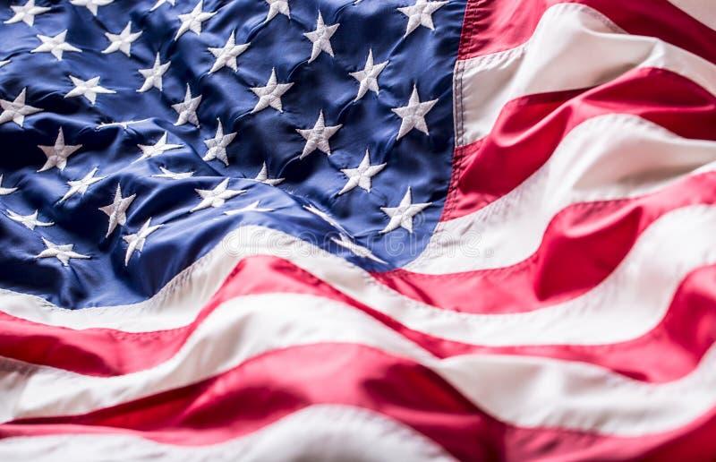 De vlag van de V Amerikaanse Vlag Amerikaanse vlag blazende wind Vierde - 4 van Juli stock afbeeldingen