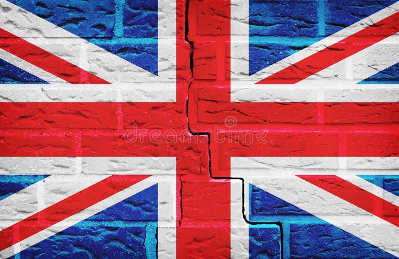 De Vlag van Groot-Brittannië op de achtergrond die van de Bakstenen muurtextuur wordt geschilderd stock afbeelding