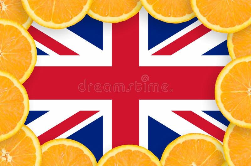 De vlag van Groot-Brittannië in verse citrusvruchten snijdt kader stock fotografie
