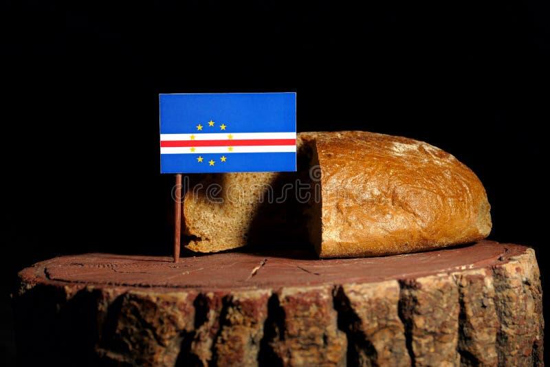 De vlag van Kaapverdië op een stomp met brood royalty-vrije stock afbeeldingen