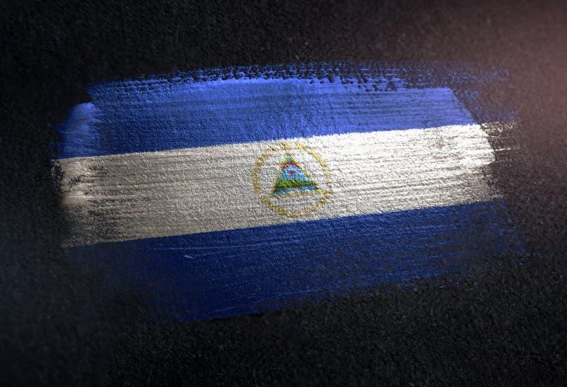 De Vlag van Nicaragua van Metaalborstelverf wordt gemaakt op de Donkere Muur die van Grunge royalty-vrije stock fotografie