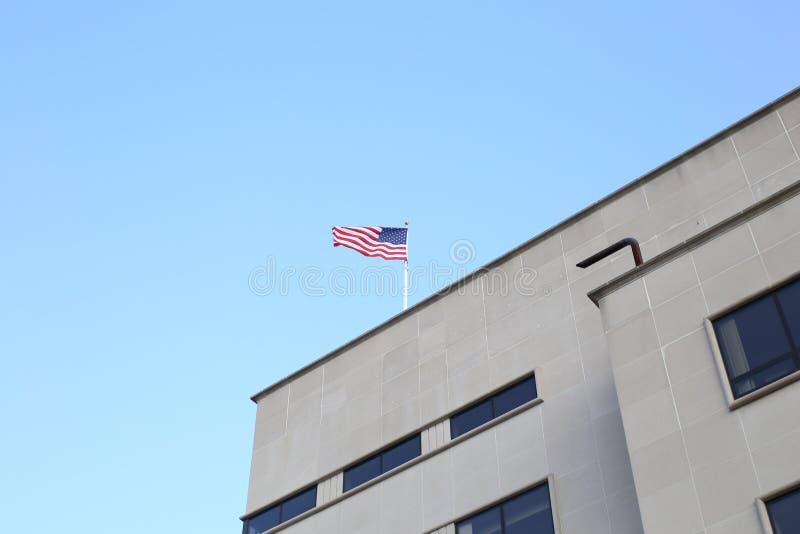 De vlag van de Verenigde Staten van Amerika, vaak als Amerikaanse vlag wordt bedoeld, is de nationale vlag van de Verenigde State stock fotografie
