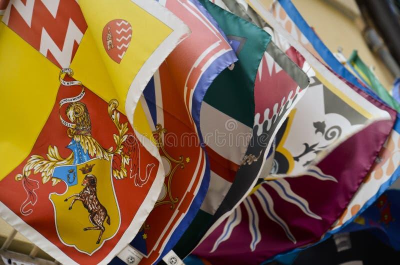 De vlaggen van het district van Siena stock afbeeldingen