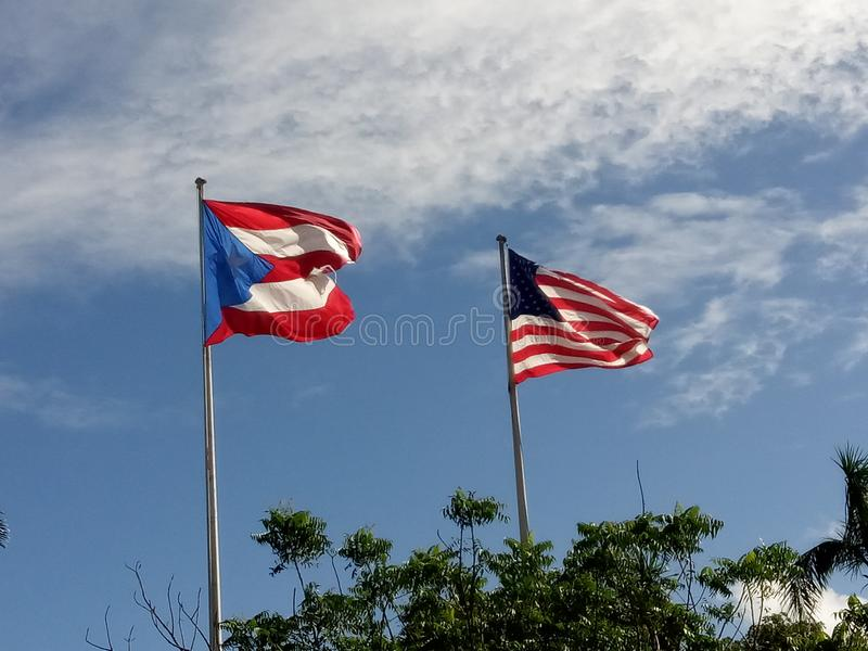 De vlaggen van Puerto Rico en van de V.S. stock foto