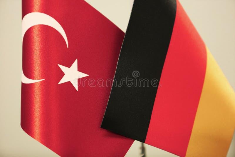 De vlaggen van Turkije en van Duitsland vector illustratie