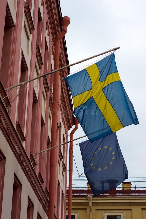De vlaggen van Zweeds en de EU- royalty-vrije stock fotografie