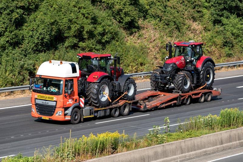 De vlakke Vrachtwagen van het Bed stock afbeelding