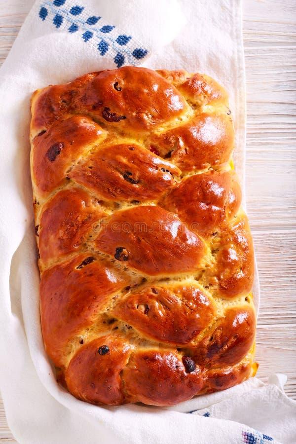 De vlecht van het fruitbrood, op rek stock foto