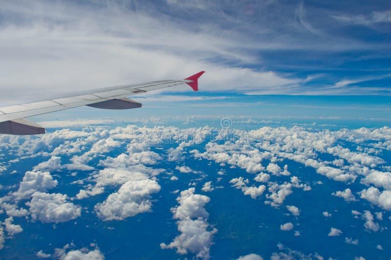 De vleugel van vliegtuig stock afbeeldingen