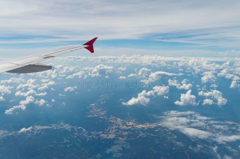 De vleugel van vliegtuig royalty-vrije stock fotografie