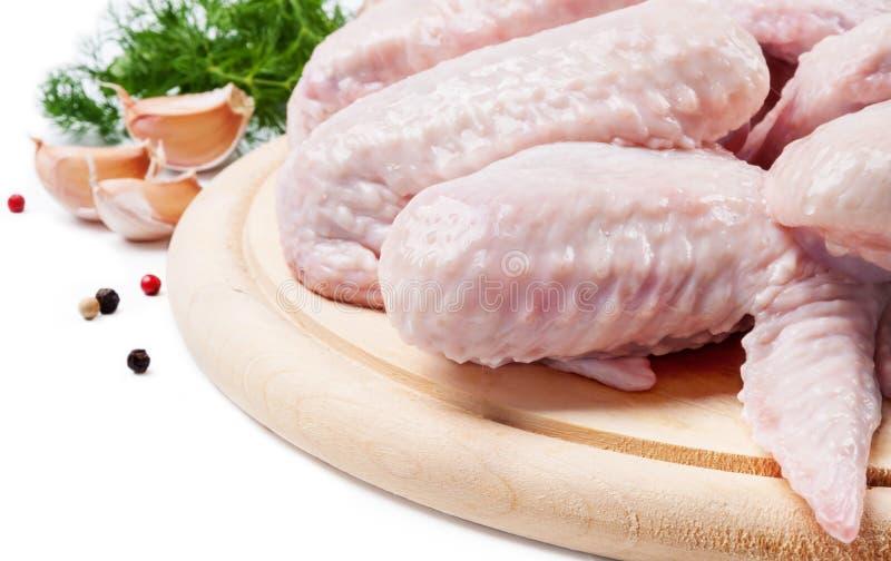 De vleugels van de kip met dille en knoflook royalty-vrije stock afbeeldingen