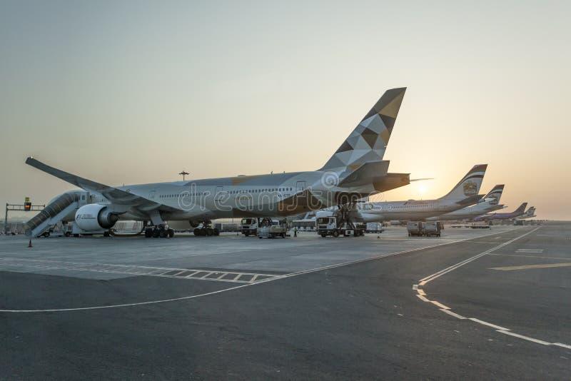 De vliegtuigen van Etihadluchtvaartlijnen stock foto's
