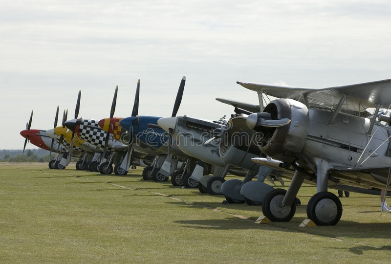 De vliegtuigen van WO.II in Duxford airshow stock afbeelding