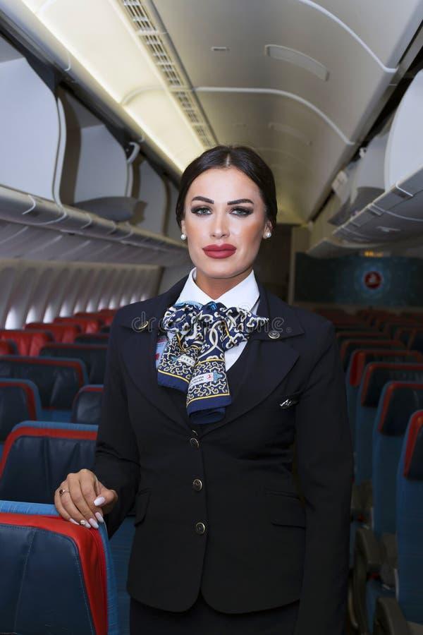 De vliegtuigencabinepersoneel van Turkish Airlines Boeing 777-300ER royalty-vrije stock afbeeldingen