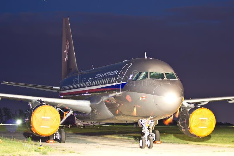 De vliegtuigenluchtbus A319-115 van de Tsjechische overheid (CJ) stock foto