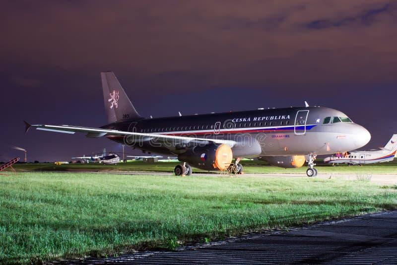 De vliegtuigenluchtbus A319-115 van de Tsjechische overheid (CJ royalty-vrije stock foto's