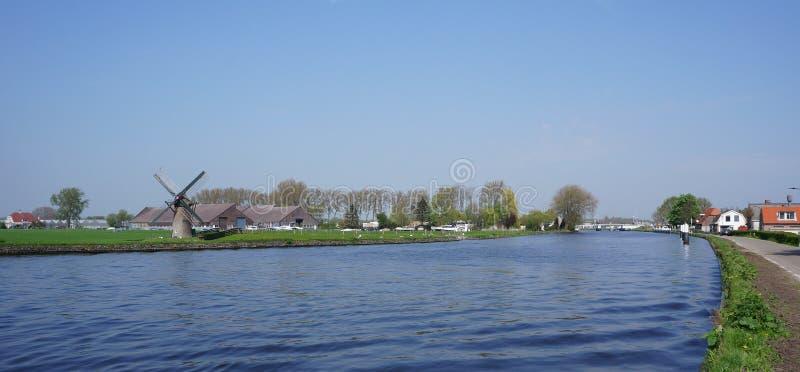 De Vliet, canal en los Países Bajos fotos de archivo