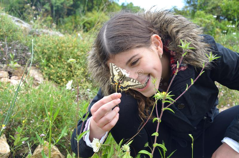 De vlinder maakt me glimlach stock afbeeldingen